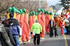 2010年克劳斯扮小丑游行圣诞老人多伦&#2281 免版税库存照片