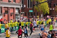 2010年波士顿马拉松志愿者 库存照片