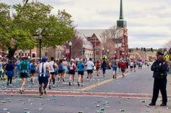 2010年波士顿马拉松运动员 图库摄影
