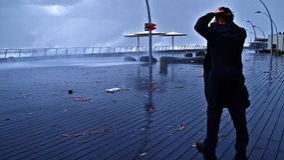 2010年aviv 12月端口风暴tel冬天 库存照片