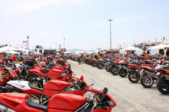 2010年ducati活动摩托车星期世界 库存照片