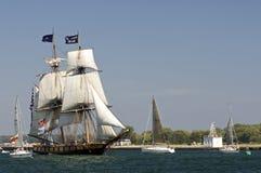 2010年双桅船挑战尼亚加拉发运高我们 库存图片