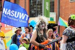 2010 glada manchester ståtar stolthet uk Arkivfoto