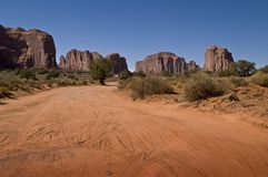 2010 monument valley dusty road Stock Photography