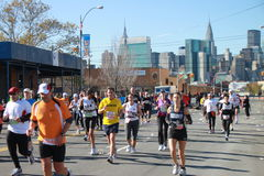 2010 NYC Marathonseitentriebe Stockbild