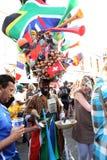 2010 trekt def. van de Kop van de Wereld van FIFA in lange straatkaap stock foto's