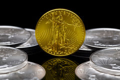 2011个美国人硬币uncirculated的老鹰金子 免版税库存照片