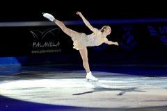 2011个证书金黄joannie rochette冰鞋 库存图片