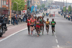2011名运动员精华伦敦马拉松妇女 免版税库存照片