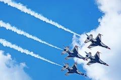 2011年演示雷鸟tn美国空军 免版税库存照片
