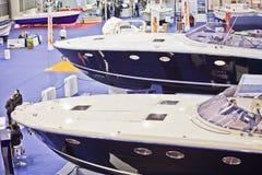 2011条大蓝色商展豪华罗马海运游艇 免版税库存照片
