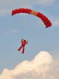 2011 приземляясь красных цветов parachutist ndp львов Стоковые Фотографии RF