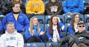 2011 futebol do NCAA - ventiladores azuis das galinhas Foto de Stock Royalty Free