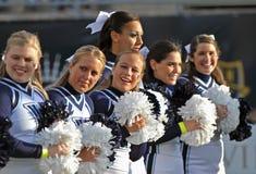 2011 NCAA-Fußball - Cheerleadern Stockbild