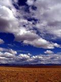 云彩垂直 库存照片