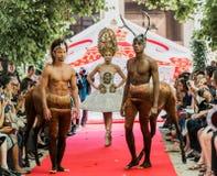 2012年气氛时装表演春天夏天兜售者vu 图库摄影