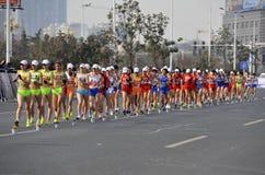 2012年瓷比赛拿着jiangs伦敦奥林匹克 库存照片