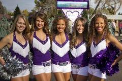2012年节日碗游行学院啦啦队员 免版税库存图片