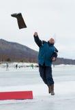 2012年贝加尔湖捕鱼投掷的valenok 免版税库存图片