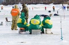 2012年贝加尔湖捕鱼 免版税库存图片