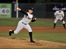 2012 béisbol de la liga menor - jarra Foto de archivo
