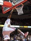 2012 baloncesto del NCAA - intento de la clavada de golpe Foto de archivo libre de regalías