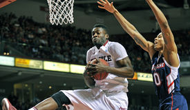 2012 basket-ball de NCAA - rebond Image libre de droits