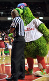 2012 basket-ball de NCAA - singeries de Phillie Phanatic Photos libres de droits