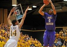 2012 basquetebol dos homens do NCAA - Drexel - JMU Imagem de Stock