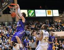 2012 basquetebol dos homens do NCAA - Drexel - JMU Imagem de Stock Royalty Free