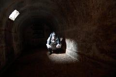 2012 das Ende der Welt im Steinbunker wartend Lizenzfreies Stockbild