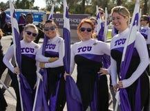 2012 de Universiteit Cheerleaders van de Parade van de Kom van de Fiesta Stock Afbeeldingen