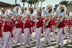 2012 het Marcheren van de Universiteit van de Parade van de Kom van de Fiesta Band Stock Foto's