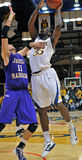 2012 le basket-ball des hommes de NCAA - Drexel - JMU Photo libre de droits