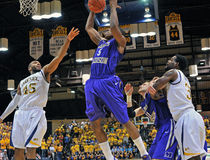 2012 le basket-ball des hommes de NCAA - Drexel - JMU Photos stock