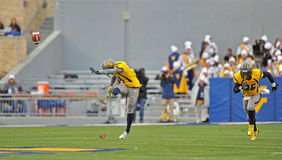 2012 le football de NCAA - WVU contre la TCU Photos stock