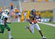 2012 NCAA橄榄球- WVU与马歇尔 免版税库存图片