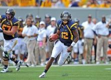 2012 NCAA橄榄球- WVU与马歇尔 库存照片