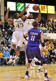 2012 NCAA Men's Basketball - Drexel - JMU Royalty Free Stock Photos