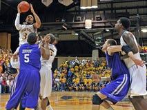 2012 pallacanestro degli uomini del NCAA - Drexel - JMU Immagine Stock