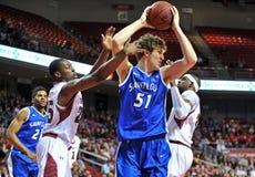 2013 basket-ball de NCAA - rebond Photographie stock libre de droits