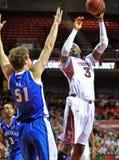 2013 basquetebol do NCAA - tiro Fotos de Stock Royalty Free
