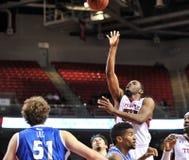 2013 basquetebol do NCAA - tiro em suspensão Imagem de Stock