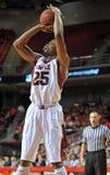 2013 basquetebol do NCAA - tiro em suspensão Fotos de Stock Royalty Free