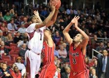 2013 le basket-ball des hommes de NCAA - tir Photographie stock libre de droits