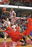2013 NCAA肮脏人的篮球- 库存照片