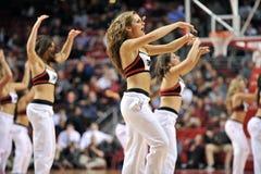 2013 NCAA het Basketbal van Mensen - dansteam Stock Fotografie