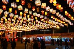 2013-Neujahrsfest-Laternenfestival und -tempel angemessen Stockfoto