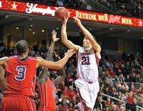 2013 o basquetebol dos homens do NCAA - passagem Imagens de Stock