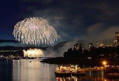 烟花显示温哥华2016年 免版税库存图片